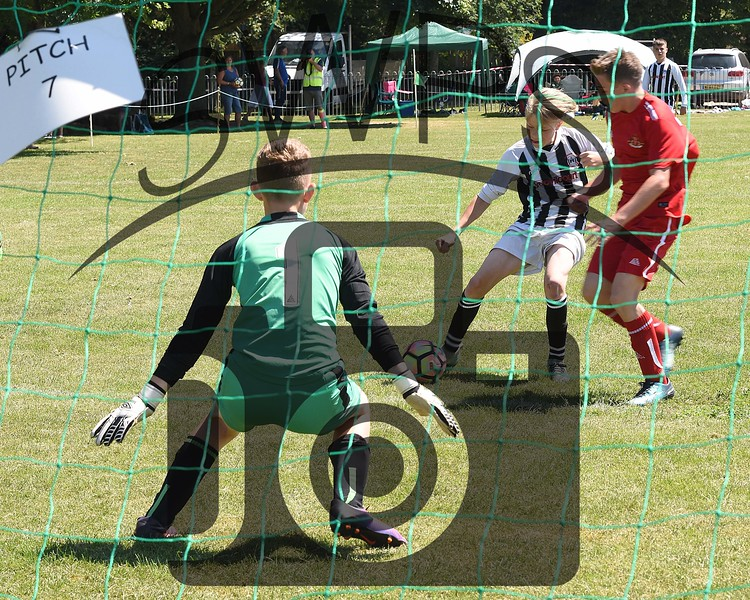 Frome Town v Sherborne Town White U13's00076