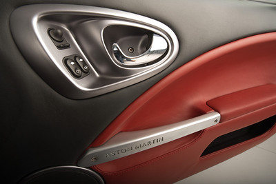 AAM-0002-Aston Martin DB7 Vanquish-300114-0335