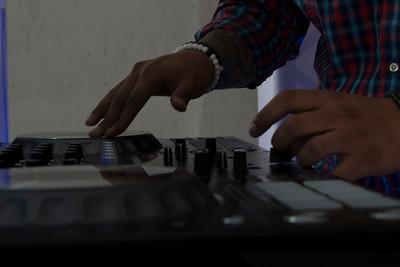 DJ V-Nyce-3