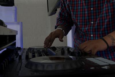 DJ V-Nyce-2