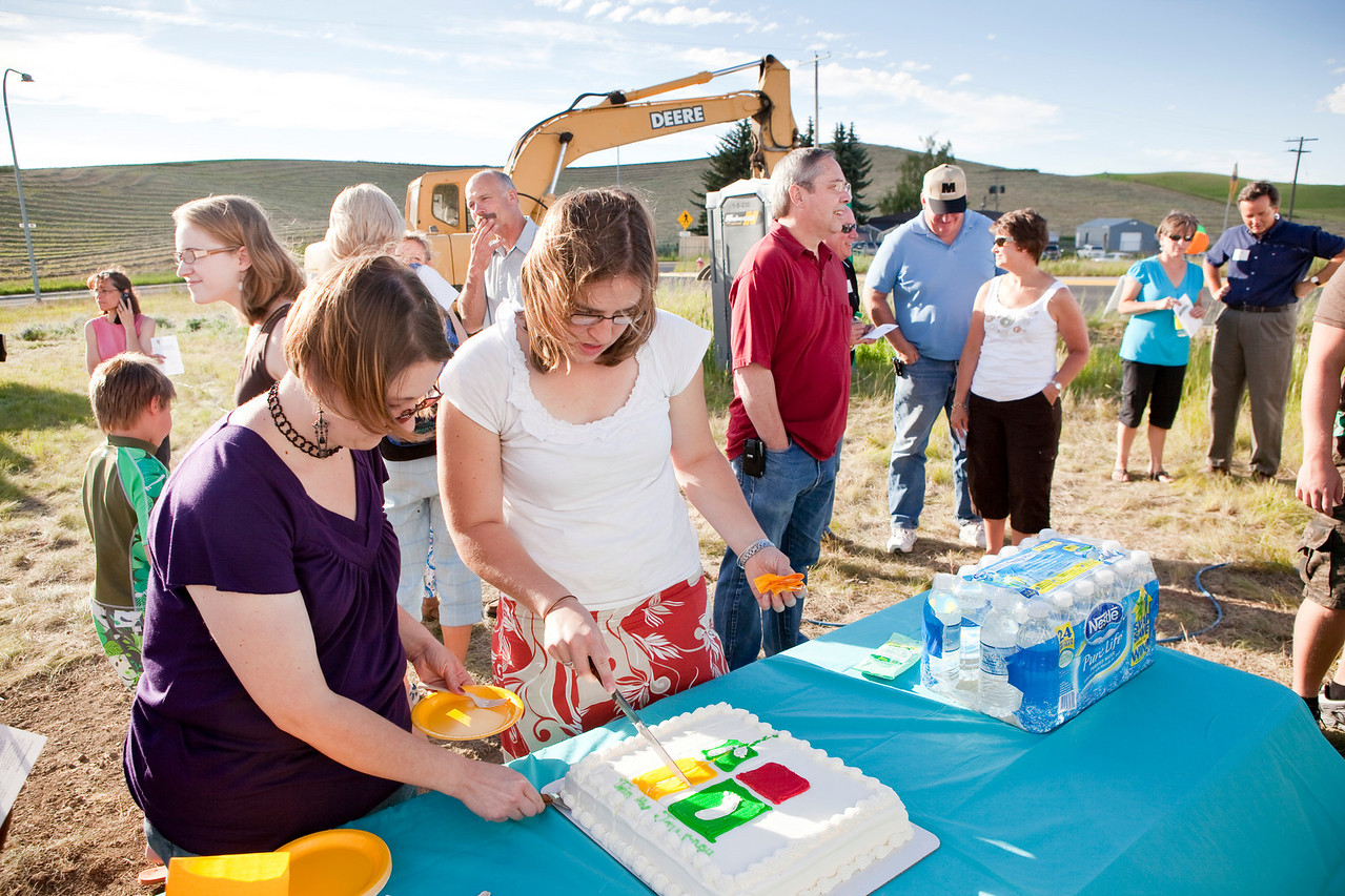 CareNet of the Palouse held a groundbreaking ceremony for their new facility on A Street and east of Winco in Moscow. These are the event proofs.