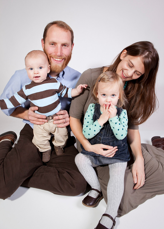 A quick family portrait session with the Jason Schuiling family.