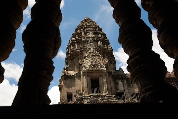 A different pers[ective on Angkor Wat. www.rusticpathways.com Credit: Rustic Pathways Copyright: © 2015 Rustic Pathways Usage with express permission only.