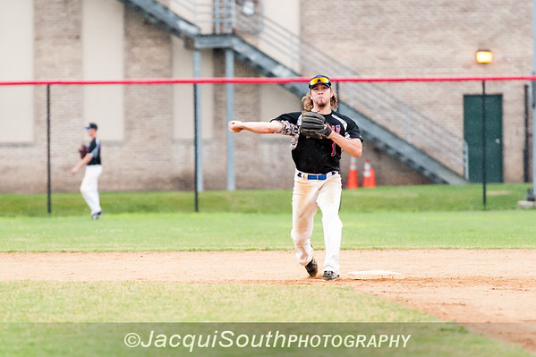 6/27/2016 - 2nd baseman Billy Lennox (Avalon), Rockville Express v Silver Spring/Takoma Park Thunderbolts, ©2016 Jacqui South Photography