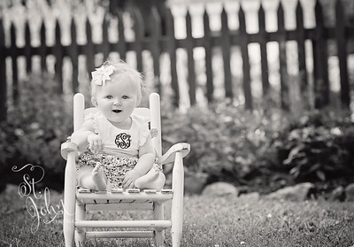 2018 June Elizabeth SImmons 8 months old 9 BW
