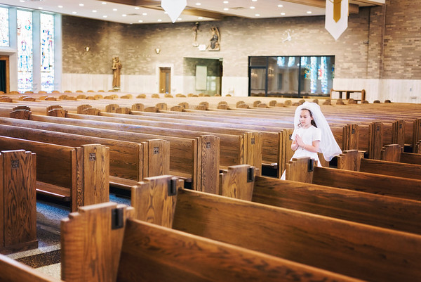 2019-divine-child-dearborn-michigan-first-communion-pictures-intrigue-photography-10