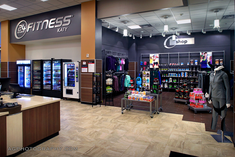 24 Hour Fitness - Club 673 Katy Firethorne SS, Katy, TX, 12/2/16.