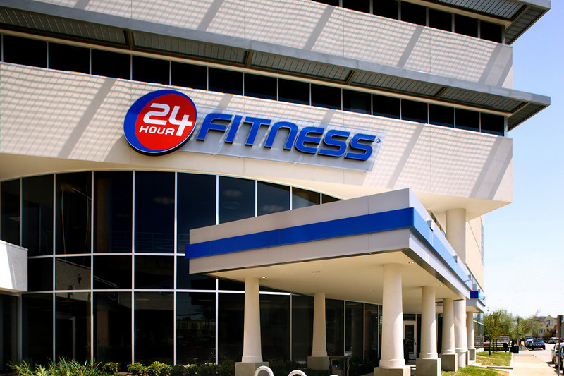 Commissioned by 24 Hour Fitness & SMA Architects.