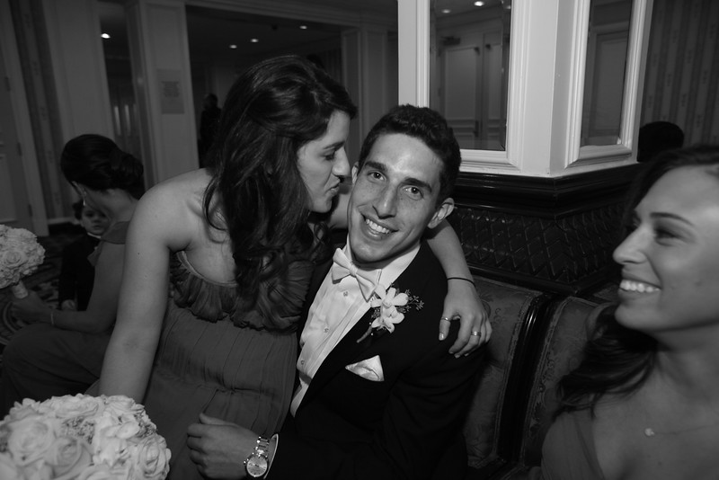 0475-2568-G&L_wedding_950