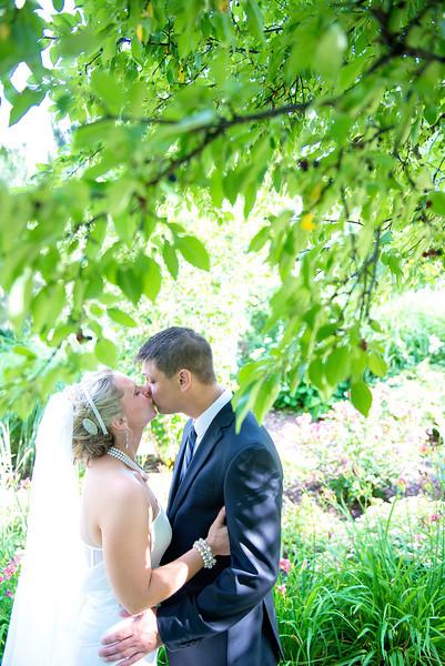 Amanda & Dennis: {married}!