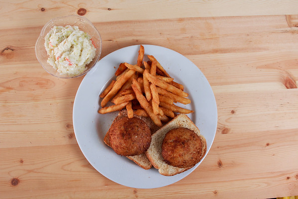 3_Crispy_Cluck_and_Fish_Crab_Cakes_20200506