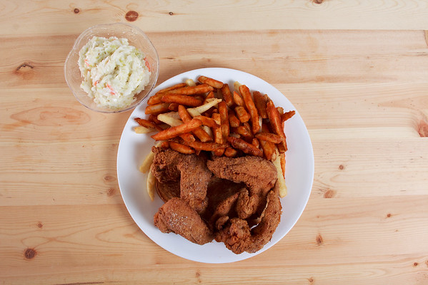 2_Crispy_Cluck_and_Fish_6_Wings_Dinner_20200506