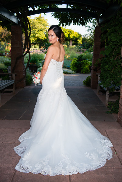 red-butte-gardens-bridal-Annelyse-800565