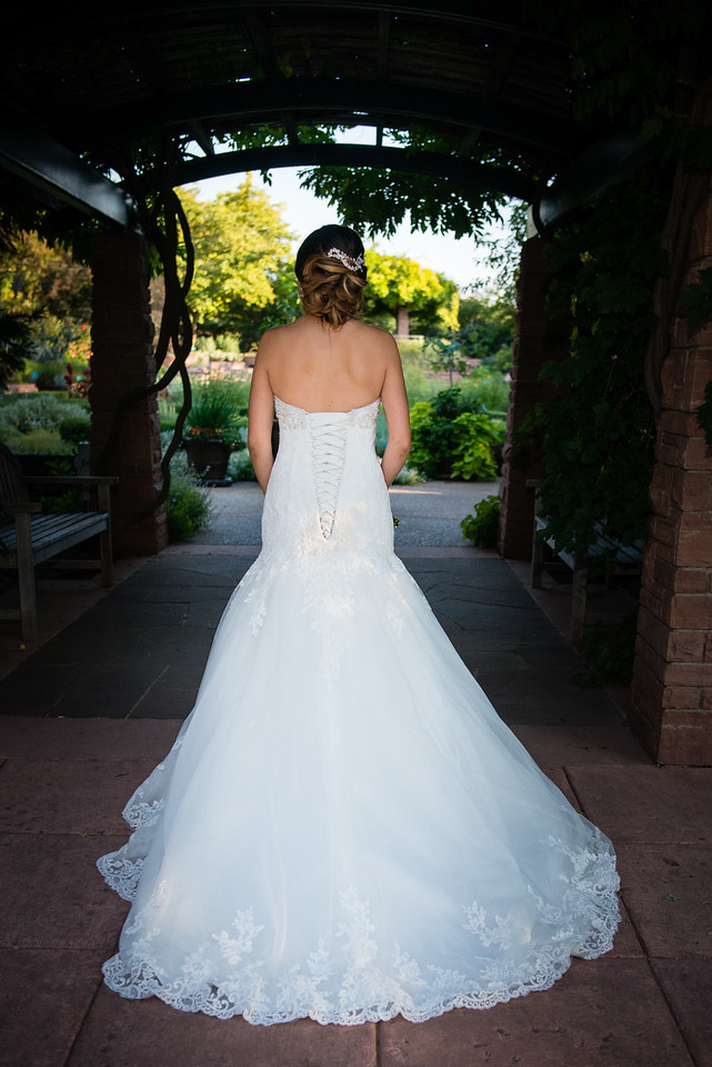 red-butte-gardens-bridal-Annelyse-800558