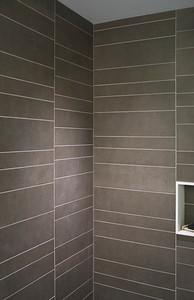 Bathroom: shower with random slate walls