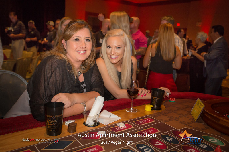 "Betting big & winning big at Vegas Night with the Austin Apartment Association! Order Prints: <a href=""http://smu.gs/2lnYzuD"">http://smu.gs/2lnYzuD</a>"