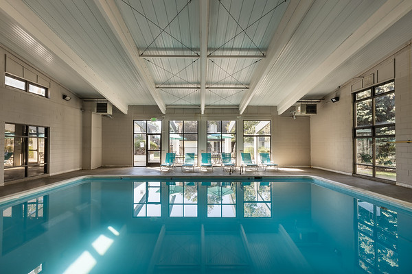 BLDG-AspenPark-Pool-7546