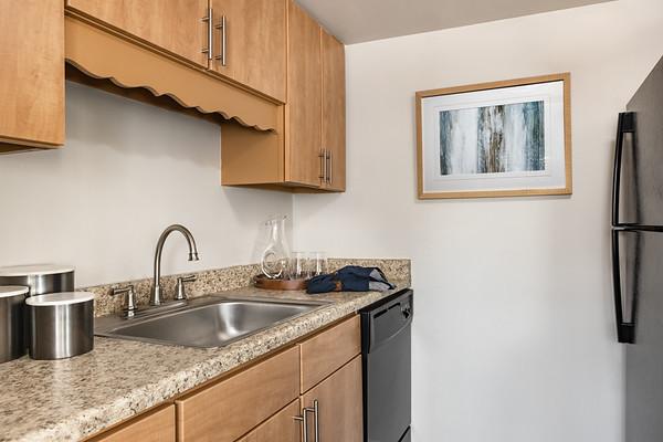 BLDG-AuroraHills-1BR-Kitchen_ALT-3923