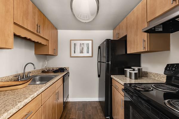 BLDG-AuroraHills-1BR-Kitchen-3873