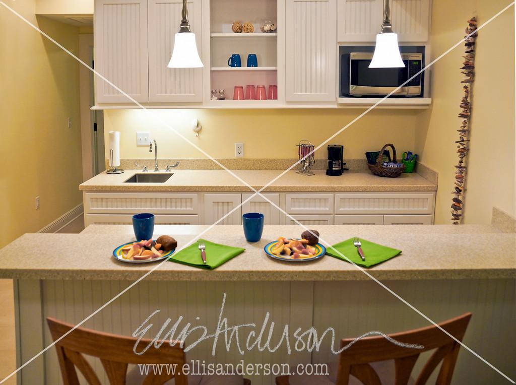 Bay Town Inn kitchen 3517
