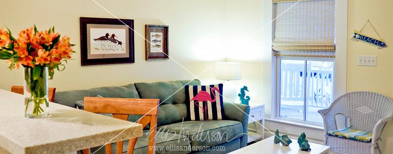 Bay Town Inn Living Room 3488 header