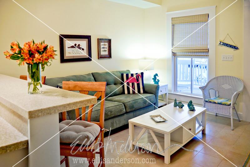 Bay Town Inn Living Room 3488