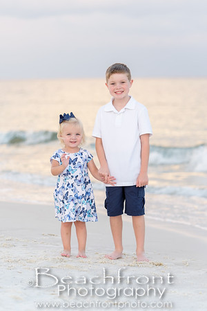 Family Beach Photographer in Fort Walton Beach, FL.  Beachfront Photography | Fort Walton Beach Family Beach Photographers