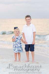 Family Beach Photographer in Fort Walton Beach, FL.  Beachfront Photography   Fort Walton Beach Family Beach Photographers
