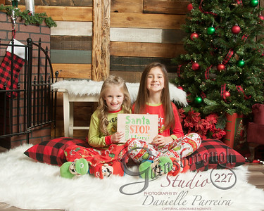 Claire+Emmy_ChristmasMini_141