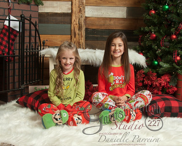 Claire+Emmy_ChristmasMini_145