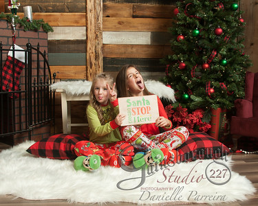 Claire+Emmy_ChristmasMini_144