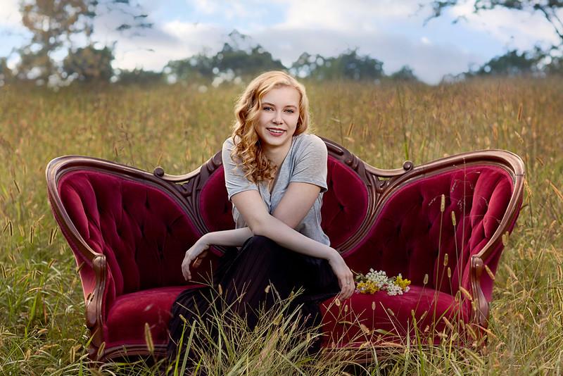 IMAGE: http://www.utrphoto.com/Clients/Megan/i-b2vj9HL/4/L/8Y1B4487-000-L.jpg