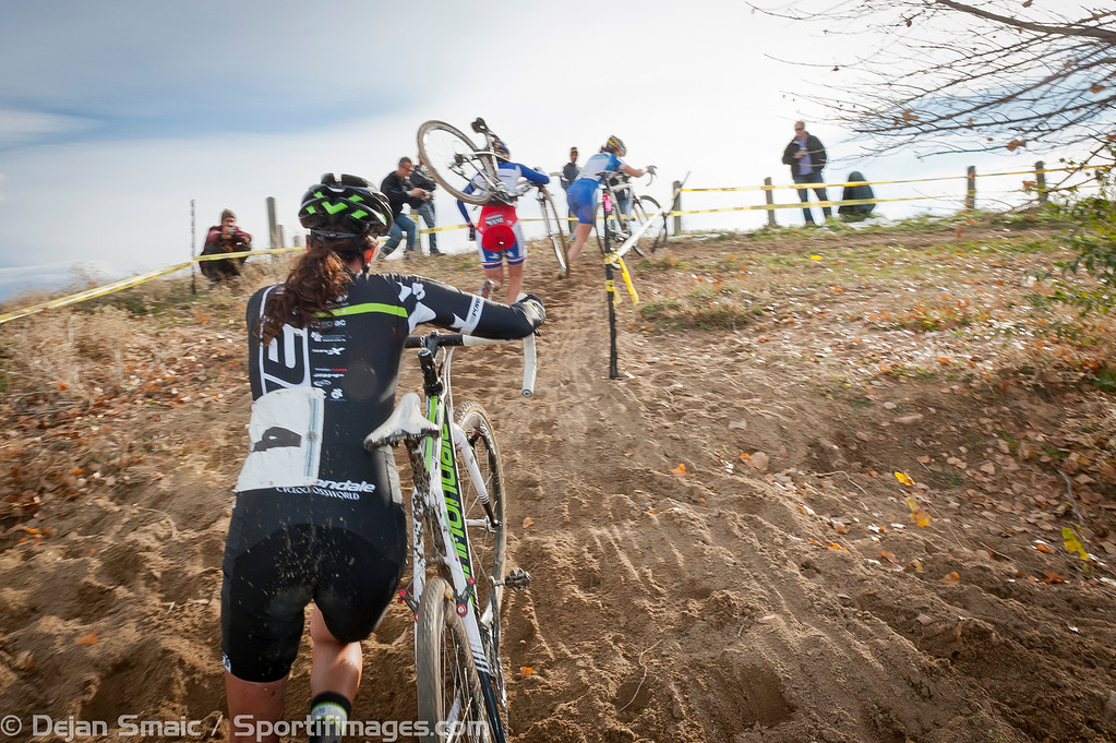 Duke (Cannondale), Mani (SRAM) and Gould (Luna) on a run up while chasing Compton.
