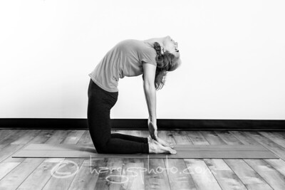 yoga-4847-printbw