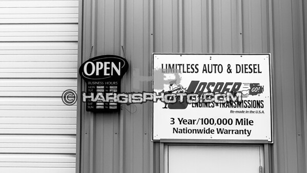 Limitless-Auto-bw-4405