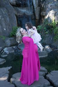 Maternity -08480