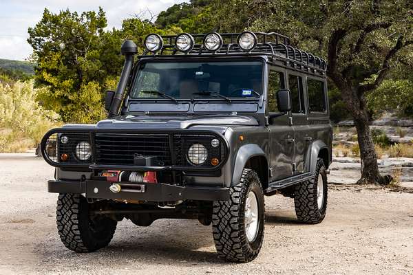 Defender-ThreeQuarter-0910