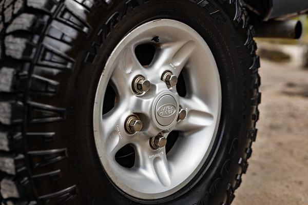 Defender-Tire-1007