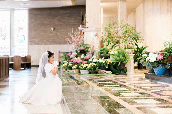 2019-divine-child-dearborn-michigan-first-communion-pictures-intrigue-photography-session-53