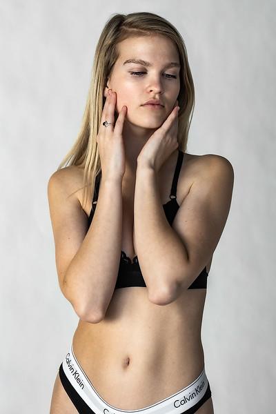 Emma-Portfolio-3310-small