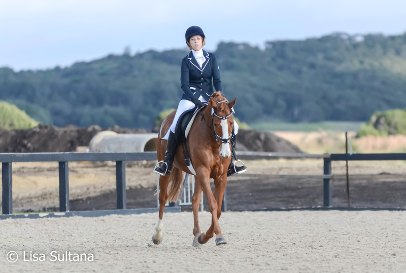 Victoria Quigley riding Bond Girl