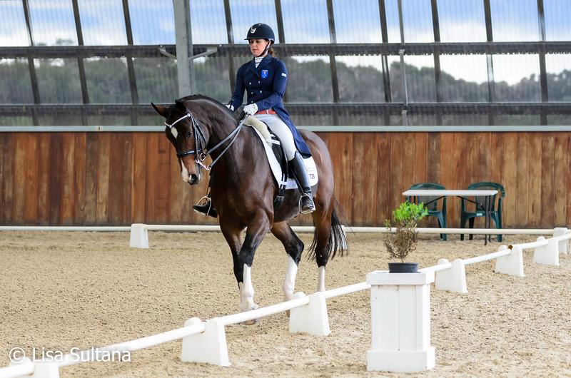 Georgina Foot riding Bellaire Cannavaro
