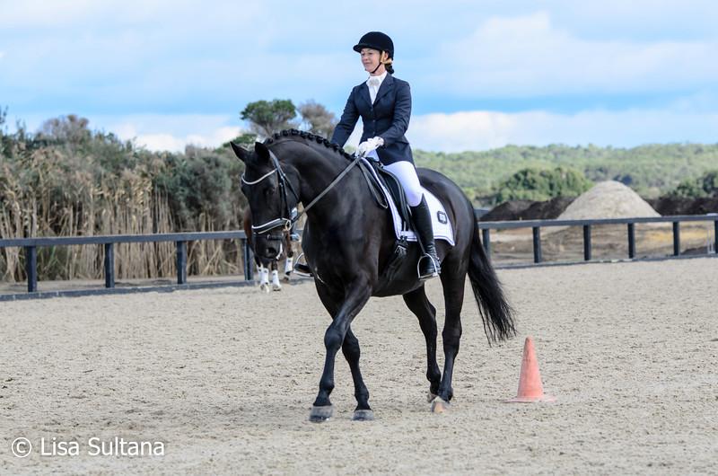 Samantha Ruedegger riding Prince Brentano
