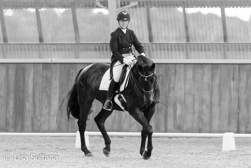 Nicole Vanatta riding Ashleigh Royale