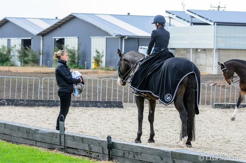 Lilah Nieuwland riding Greenoaks Weltmann