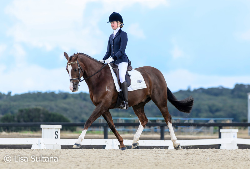 Matilda Longbottom JNR riding Broadway Duntroon