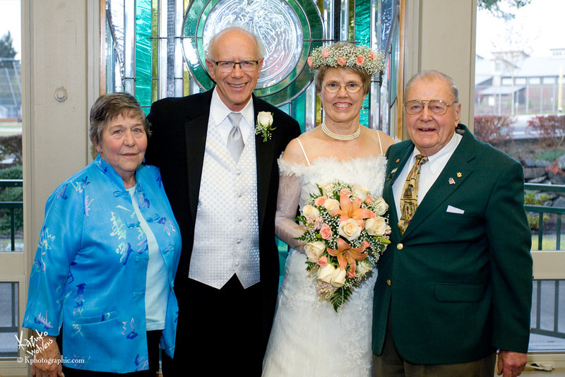"""<div align=""""left"""">    <p style=""""font: 90% Garamond, Georgia, serif;color:#b59779;"""">Elaine & Ray's Wedding Photographs<br>Available to view and order prints here until May 31, 2012<br>Photos by Kazuko Wohlers.&nbsp&nbspPlease call me at (253) 565-1701 if you have any questions.</p>  </div>"""