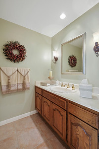 Small guest bathroom-1