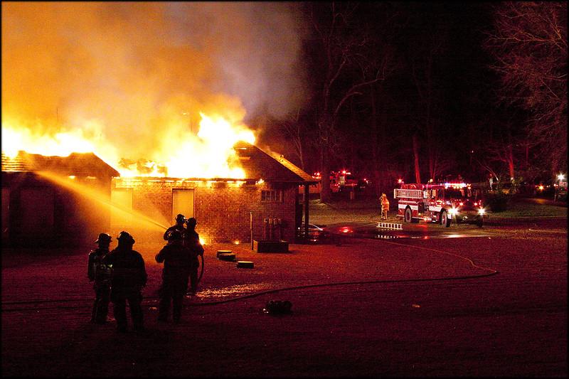 2009-1-09_CountryPlcFire_0141