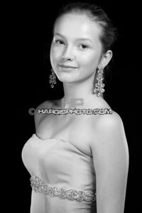 FCHS-Pageant-4258-print-bw
